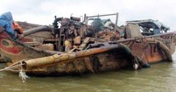 Hút cát lậu ở Đồng Nai, điều khiển ghe chạy về địa bàn Bình Dương