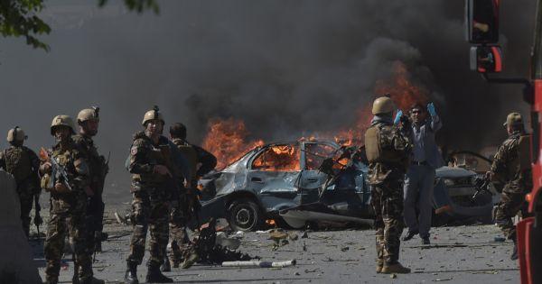 Afghanistan: Đánh bom khủng bố đẫm máu nhất trong 17 năm, ít nhất 50 người thiệt mạng