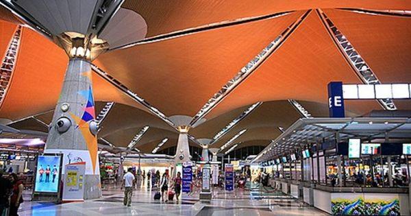 Nói có bom trong hành lý, hai khách Việt bị tạm giữ ở Malaysia