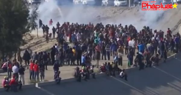 Trump dọa đóng cửa 'vĩnh viễn' biên giới với Mexico vì người nhập cư