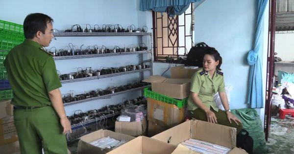 Phát hiện cơ sở sản xuất hàng nghìn cục sạc dự phòng giả