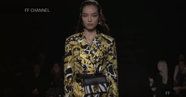 Versace Pre-Fall 2018/2019 Full Fashion Show Exclusive