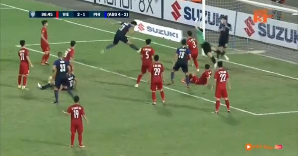 Việt Nam 2-1 Philippines: Quang Hải và Công Phượng đưa Việt Nam vào chung kết