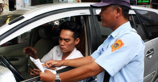 """Lãnh đạo TP HCM thừa nhận có việc """"bỏ túi riêng"""" trong thu phí đậu ôtô"""