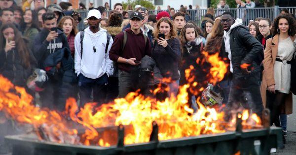"""Pháp: Paris """"căng mình"""" đối phó khả năng bạo động tái bùng phát"""