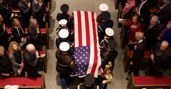 Đoàn tàu đặc biệt đưa cố Tổng thống Mỹ George H.W. Bush về nơi an nghỉ cuối cùng