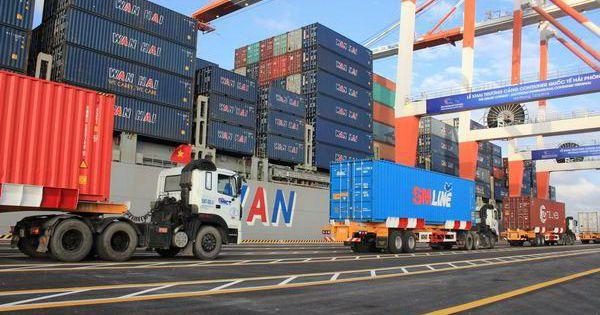 Phát hiện 140 container vi phạm qua máy soi