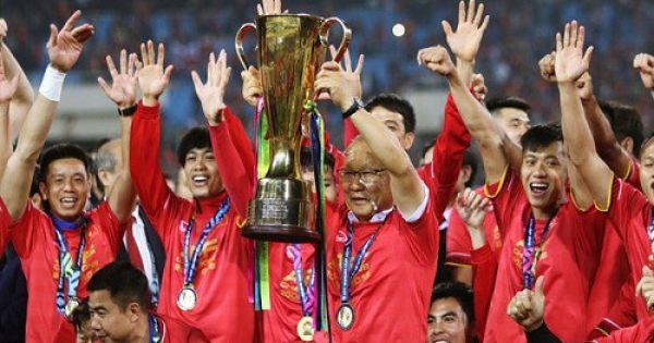 """Tuyển Việt Nam nhận """"mưa"""" tiền thưởng sau chức vô địch AFF Cup"""
