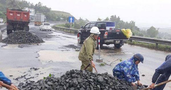 """Xử lý cán bộ, """"trảm"""" nhà thầu sửa Quốc lộ 1 hư hỏng đoạn qua Phú Yên"""