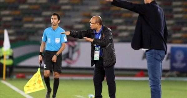 Thực hư chuyện thầy Park đổ lỗi cho thủ môn Văn Lâm sau trận thua Iraq