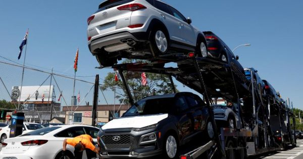 Trump có thể áp thuế mới lên ôtô nhập khẩu