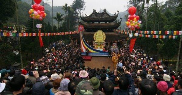 Bắc Ninh cấm công chức đi lễ hội trong giờ hành chính