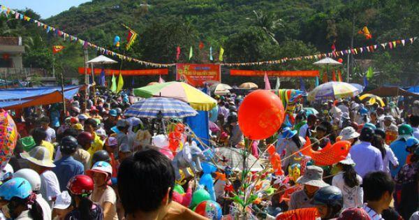 Chợ Gò - Phiên chợ độc đáo chỉ họp vào mùng 1 Tết Nguyên đán