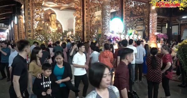 Sau đêm giao thừa, hàng ngàn người dân Sài Gòn đi lễ chùa cầu bình an
