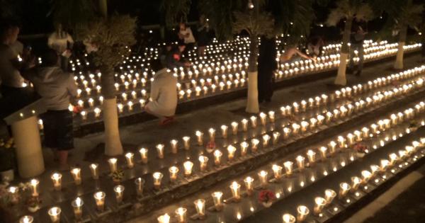 Bạn trẻ ở Lâm Đồng đốt hàng ngàn ngọn nến trên nghĩa trang thai nhi