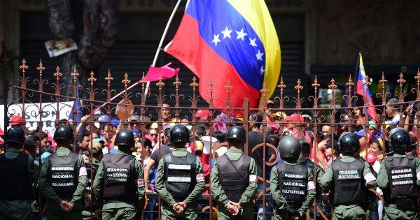 Nga muốn hỗ trợ đối thoại, cảnh báo mọi can thiệp vũ lực vào Venezuela