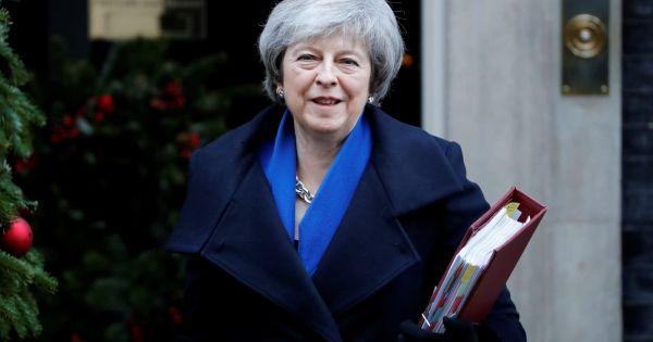 Anh: Nhóm cựu đại sứ kêu gọi Thủ tướng Theresa May hoãn Brexit