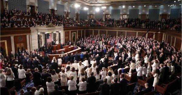 Lưỡng viện Quốc hội Mỹ thông qua dự luật ngân sách liên bang