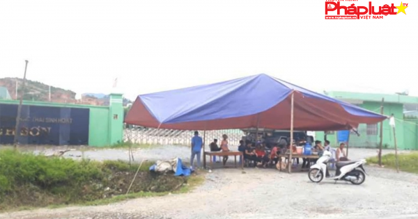 Hà Tĩnh: Nhà máy xử lý rác gây ô nhiễm, người dân lập chốt chặn trước cổng