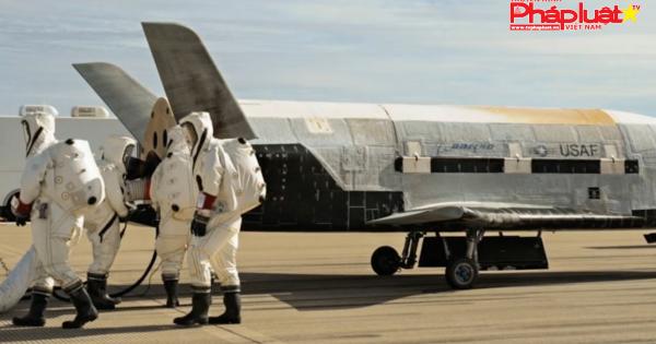 Ông Trump ký sắc lệnh hướng đến thành lập Lực lượng Không gian