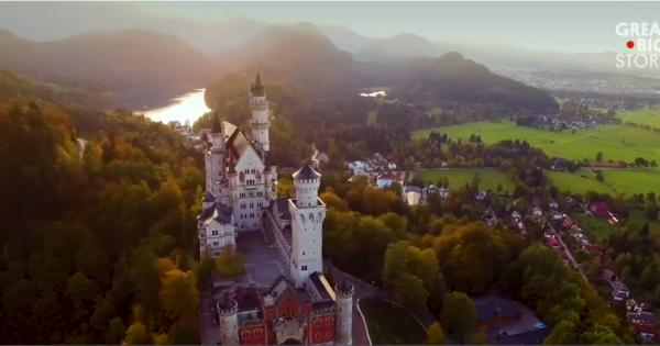 """Lâu đài Đức tạo cảm hứng cho """"Người đẹp ngủ trong rừng"""" của Disney"""