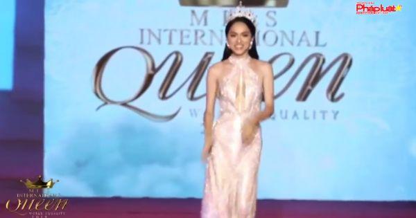 Hoa hậu Chuyển giới Quốc tế Hương Giang vào top 50 phụ nữ ảnh hưởng nhất Việt Nam 2018