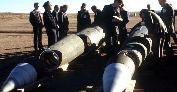 Tổng thống Nga ký sắc lệnh đình chỉ tuân thủ Hiệp ước INF
