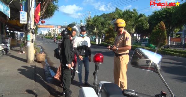 Kiên Giang: Phát hiện hàng trăm giấy phép lái xe giả
