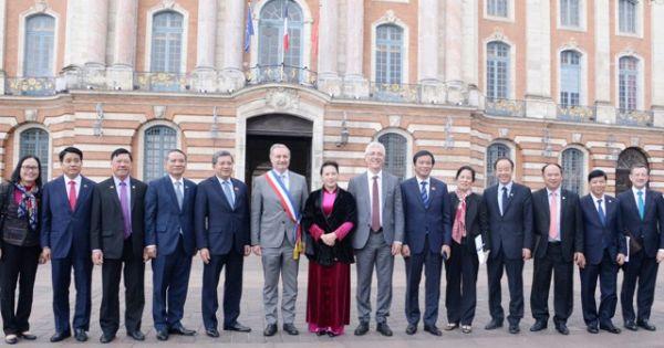 Chủ tịch Quốc hội gặp Thị trưởng TP Toulouse