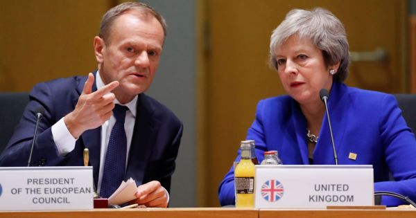 Chủ tịch Hội đồng châu Âu đề xuất lùi thời hạn Brexit 1 năm