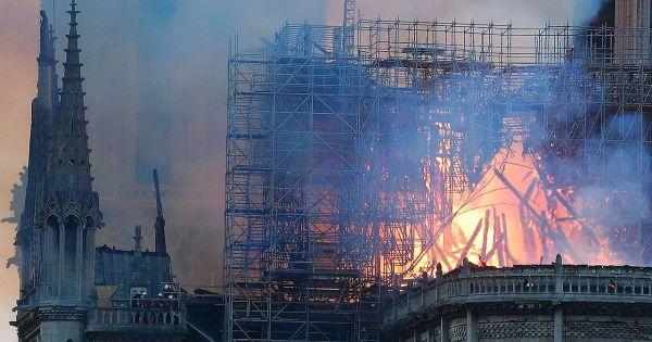 Pháp mở cuộc điều tra hình sự vụ cháy nhà thờ Đức Bà Paris