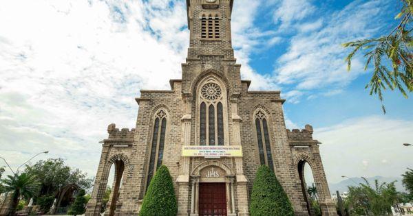 Nhà thờ Núi Nha Trang: Vẻ đẹp yên bình mang đậm lối kiến trúc Gothic