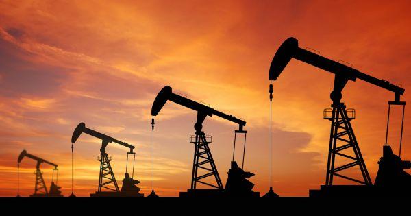 Giá dầu Thế giới tăng do nguồn cung sụt giảm