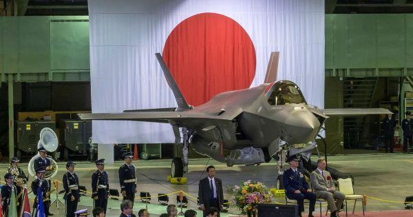 Nhật Bản nỗ lực trục vớt toàn bộ máy bay F-35 rơi ngoài khơi