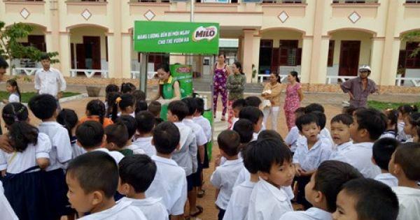 Ninh Thuận: Hàng chục học sinh nhập viện sau khi uống sữa tại trường